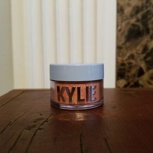 Kylie Jenner Cosmetics Loose Highlighter Powder